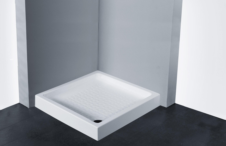 Piatti doccia vari in ceramica acrilico corian o effetto ardesia.