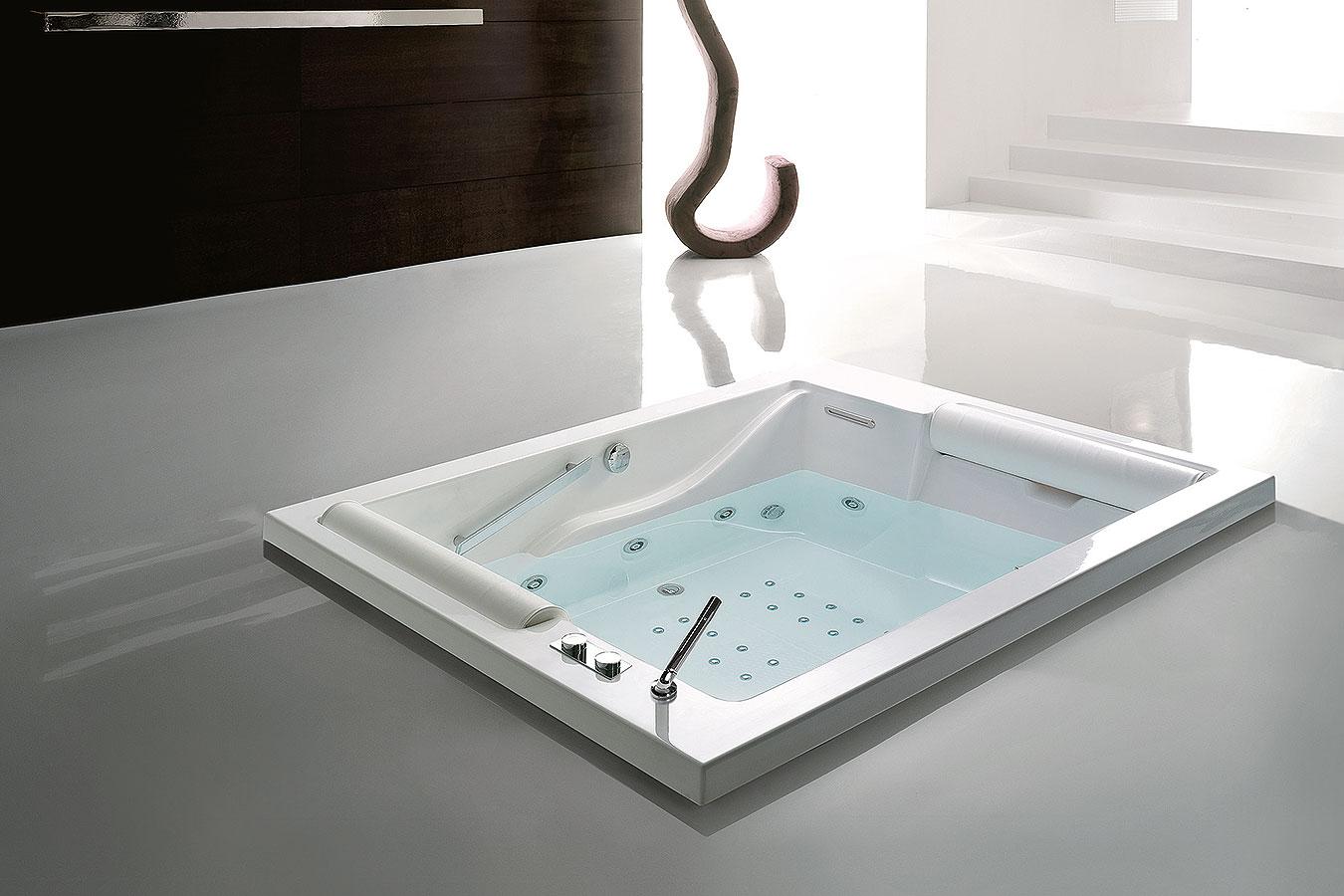 Vasca Da Bagno Misure Grandi : Treesse vasche e cabine di qualità scopri i modelli da euroedil